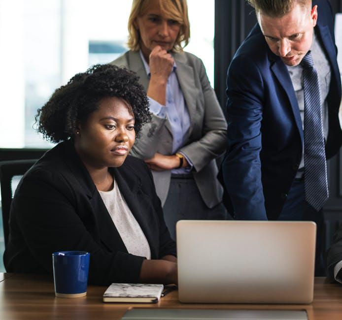 So funktioniert die Kundengewinnung aus sozialenm Netzwerken - Die Evolution des Büro-Menschen: Existenzgründung